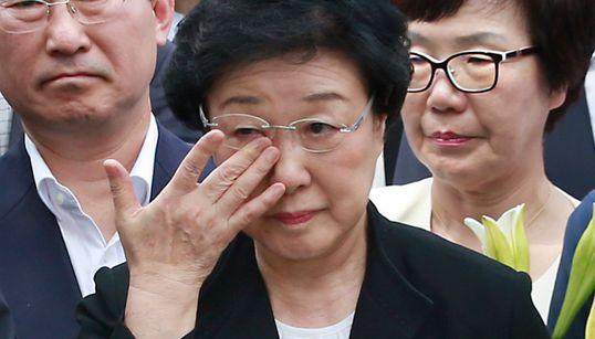 첫 여성 총리였던 한명숙, 구속