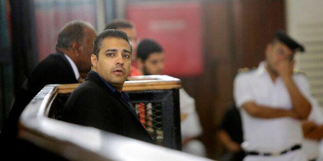 이집트는 알 자지라 기자 파흐미를 풀어주어야