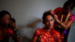 네팔이 '제3의 성' 표기한 여권을 첫