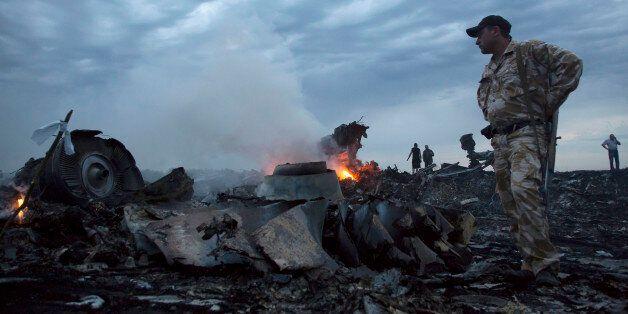 말레이 여객기 격추 현장서 러시아 미사일 파편