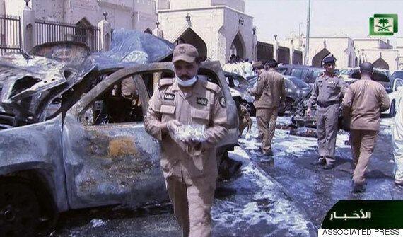 사우디 모스크에서 IS 소행 추정 자폭테러 : 최소 15명