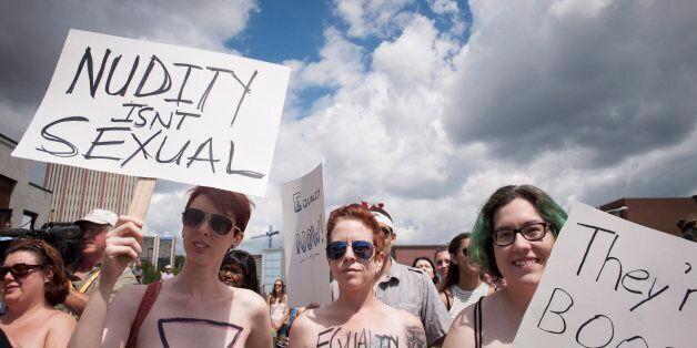 캐나다 여성 수백명,