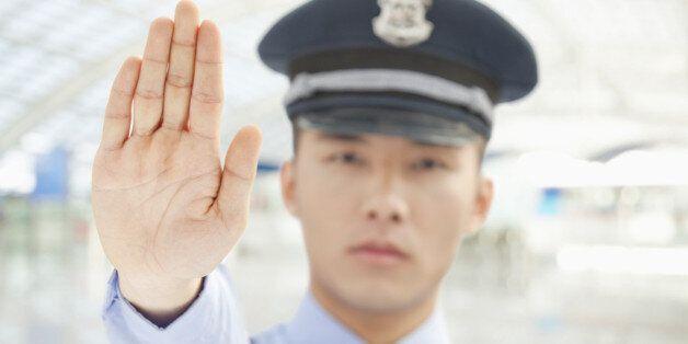 '야동' 보거나 성적 농담 지나친 경찰관 경고 후