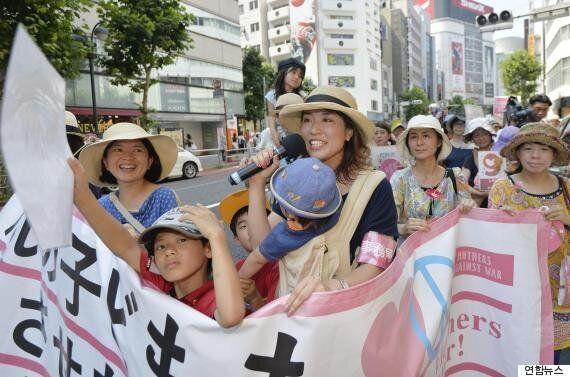 일본의 '유모차 엄마들'이 나선