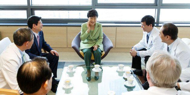 한국, '국민의료비 공공부담' OECD 회원국 중