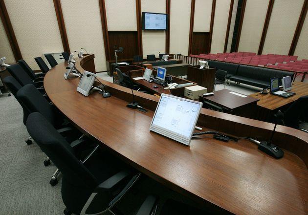 東京地裁の法廷の資料写真