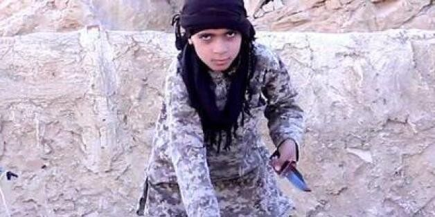 IS, 시리아군 참수하는 어린이 대원 영상
