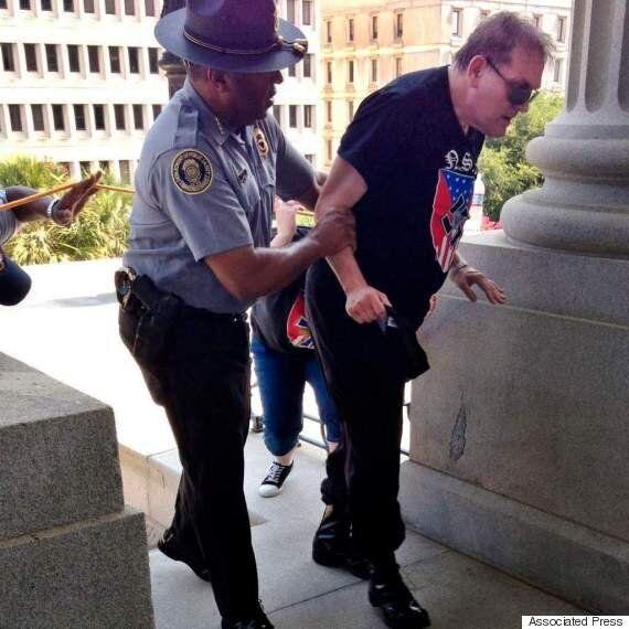 사우스캐롤라이나주에서 벌어진 KKK단의 '남부 연합기'
