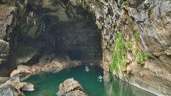 카약을 타고 지구에서 가장 큰 동굴을
