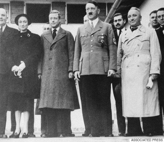 더 선, 82년 전 엘리자베스 2세 영국 여왕의 나치식 경례 영상을