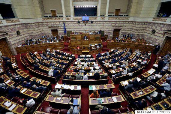 그리스 2차 개혁법안 의회 통과...구제금융 협상