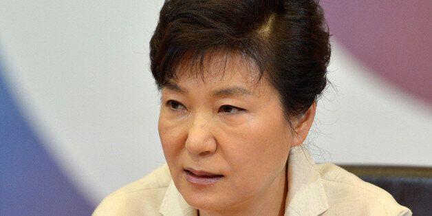 '폭탄' 던지고 열흘, 박 대통령 긴