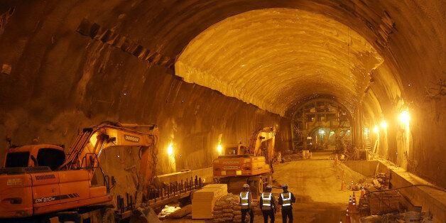 세계에서 세번째로 긴 터널: 50.3㎞
