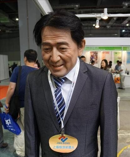 중국 전시장에 나타난 '계속 사과하는' 아베