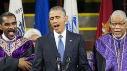 오바마가 '어메이징 그레이스'를 부르기 전에 멈칫한