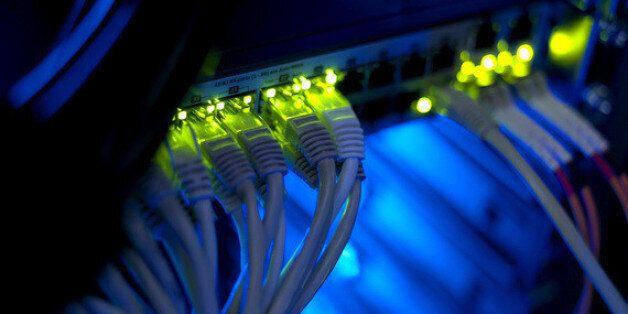 뒤쳐져 있거나 이중적이거나 | 재생가능에너지를 대하는 한국 IT기업들의
