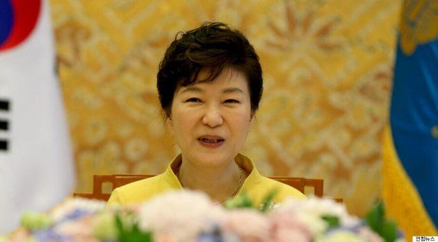 박근혜 대통령 지지율 3.7%p 상승 : 김무성 '차기주자' 1위
