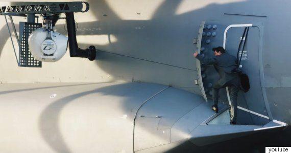 톰 크루즈는 '미션 임파서블 로그 네이션'을 위해 진짜로 비행기에