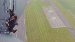 톰 크루즈는 진짜로 비행기에 매달렸다(스턴트