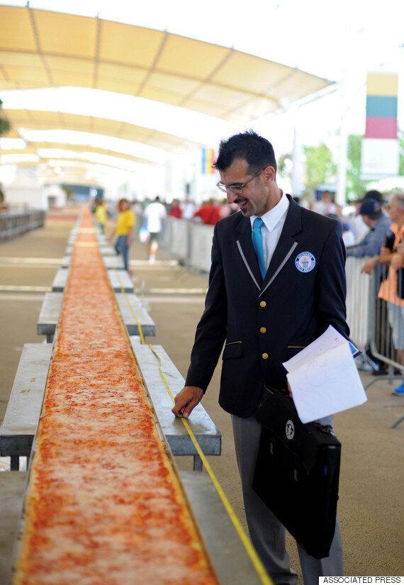 이탈리아인들이 결국 세계에서 가장 긴 피자를