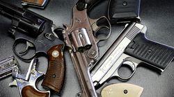 다른 국가들은 총기 난사 사건 후 법을 개정하는데, 미국은