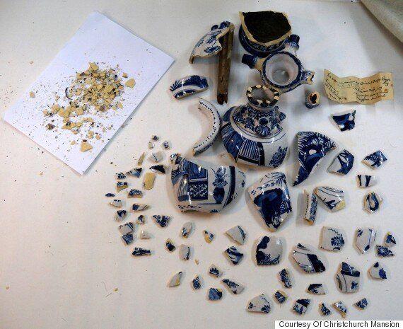 영국의 한 박물관이 진열품을 깨고 도망친 소년을 찾는