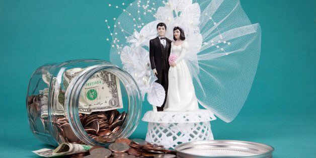 中 20대 남녀, '여자쪽 과도한 결혼예물 요구'에