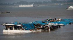 양쯔강 침몰선, 크레인으로 바로