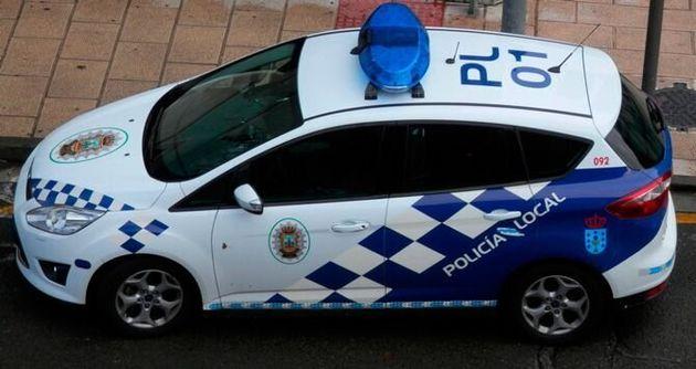 Un coche patrulla de la policía local de