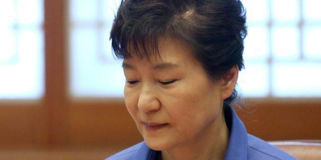 검찰 '成 2억 수수' 박근혜 대선캠프 관계자