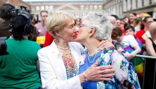 아일랜드, 동성결혼 합법화로 새로운 역사를
