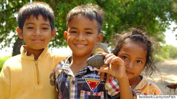 캄보디아 아이들의 빈혈을 치료해주는 쇠로 만든 물고기(사진,