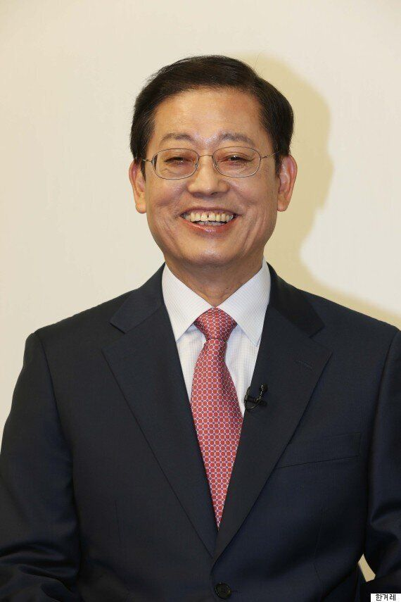 김황식 전 총리, 원세훈의 변호인이