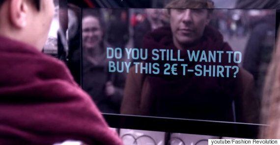 2400원짜리 티셔츠를 파는 자판기, 하지만 아무도 티셔츠를 사지 않는