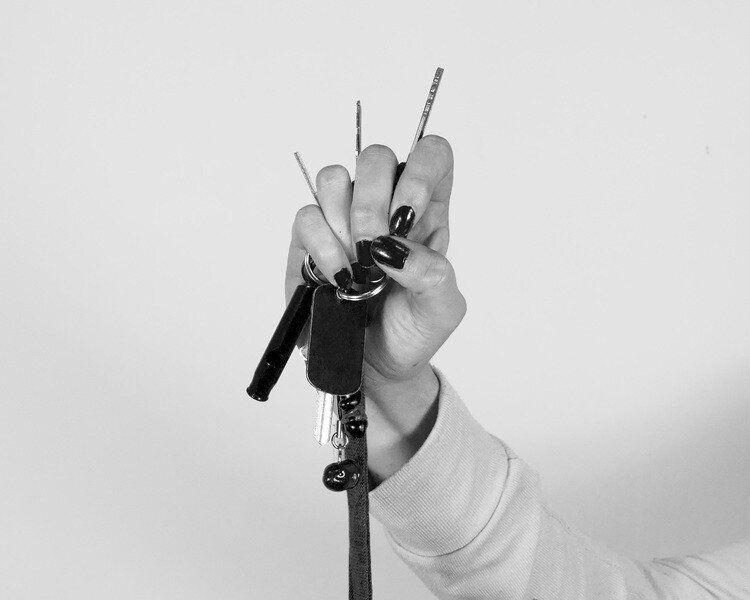 미국 여성들은 매일매일 강간 방지 호신용품을 들고