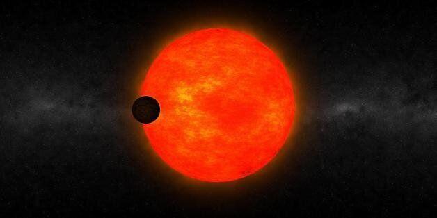 과학적으로 설명할 수 없는, 작은 별 주위를 도는 거대 행성을