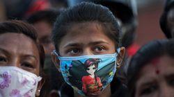 인신매매 브로커들이 네팔 여성을 노리고