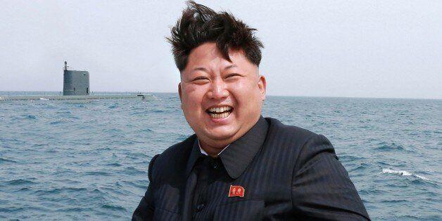 북한 김정은 국방위원회 제1위원장이 전략잠수함 탄도탄수중시험발사를 참관했다고 조선중앙통신이 9일