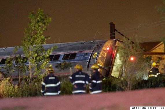 [속보] 미국 필라델피아에서 암트랙 통근열차 탈선 사고(사진,