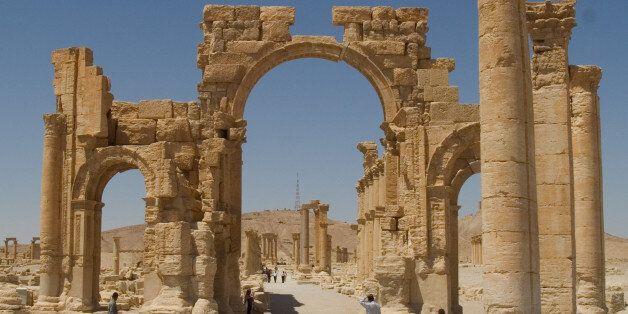 시리아 정부군의 팔미라 재탈환 전투 과정에서 300명 사망, IS는