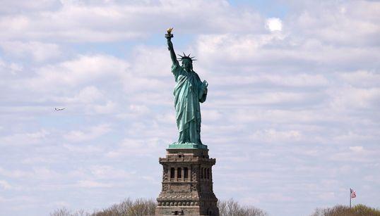 뉴욕 '자유의 여신상'에 폭파