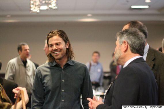 'CEO 연봉 깎아 직원 연봉 7만달러' 미 기업에 논란