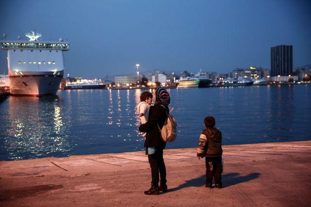 그리스 해상서 난민선 조난, 최소 3명 사망(그리스 해경