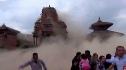 [네팔 대지진] 무너지는 박타푸르 사원이 관광객의 카메라에 생생하게