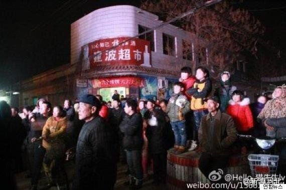 중국의 '장례식 스트립쇼'...정부도