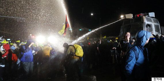경찰, 세월호 집회 물대포에 최루액 섞어서