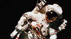 국제우주정거장 우주인이 사는 방 내부