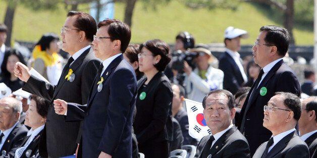 2014년 5월 18일, 국가보훈처가 5·18기념식에서 '님을 위한 행진곡' 제창을 거부해 유족과 5월 단체들이 기념식에 불참한 가운데 18일 오전 광주 북구 운정동 국립 5·18민주묘지에서...