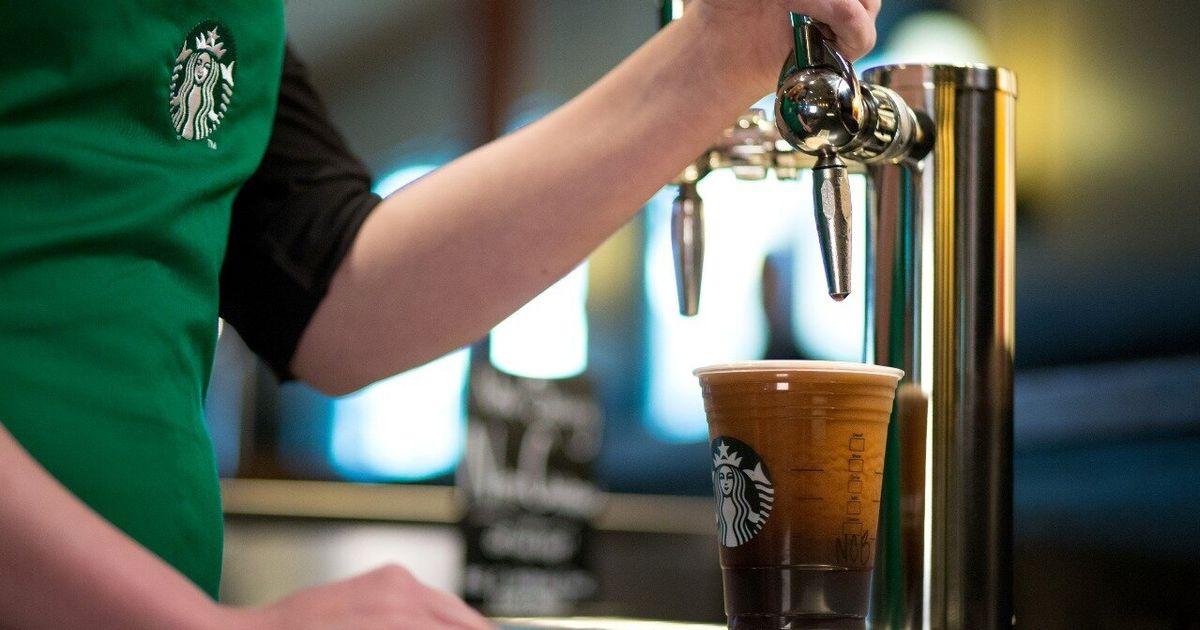 Starbucks lança café gelado com nitrogênio, uma bebida estupidamente gelado