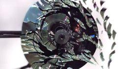 초고속 회전으로 CD를 아름답게